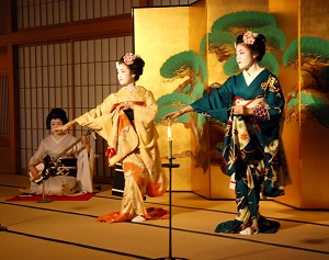 Dancing Geishas in a Japanese room