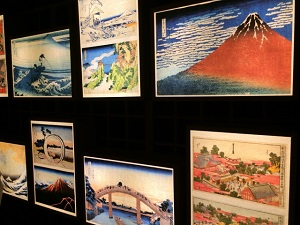 Some Japanese‐style paintings in an art gallery