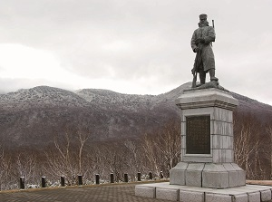 Memorial statue of the Hakkoda Death March