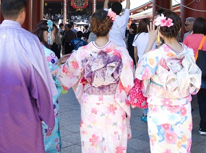 Young visitors wearing Kimono