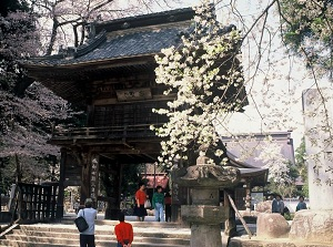 Sanmon Gate with the priest's words in Erinji