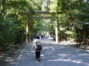 Approach to main shrine in Geku