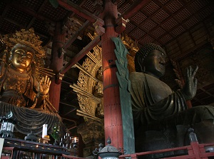 Daibutsu and the other statue in Todaiji